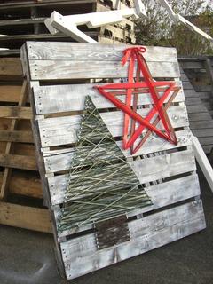 Pallet Christmas Tree-151203.JPG